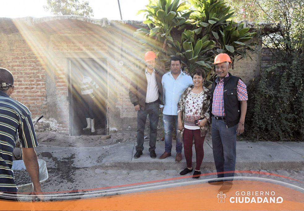 apoyo-piso-firme-en-el-municipio-acatlan-de-juarez-2017-01