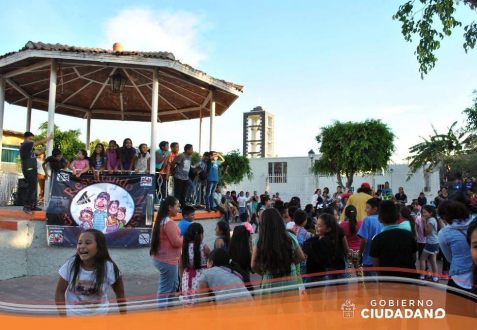 celebracion-dia-del-niño-en-acatlan-de-juarez-2017_0010