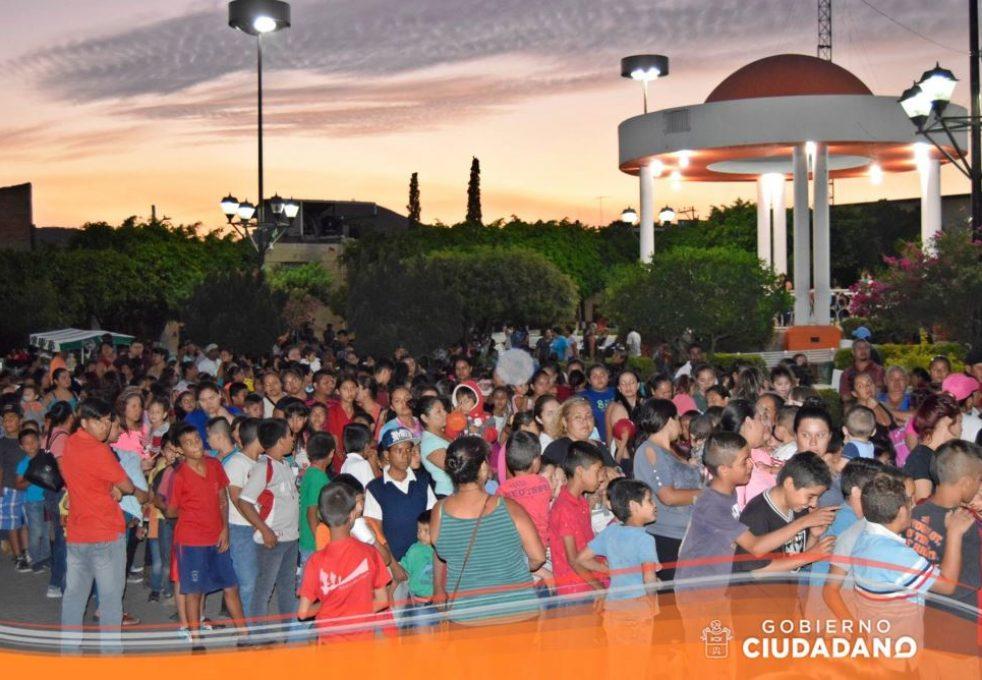 celebracion-dia-del-niño-en-acatlan-de-juarez-2017_0012