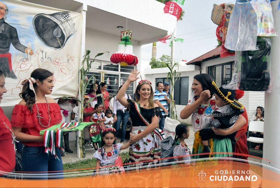 conmemoracion-dia-de-la-independencia-dif-acatlan-de-juarez-2016-01