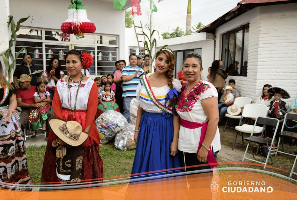 conmemoracion-dia-de-la-independencia-dif-acatlan-de-juarez-2016-02