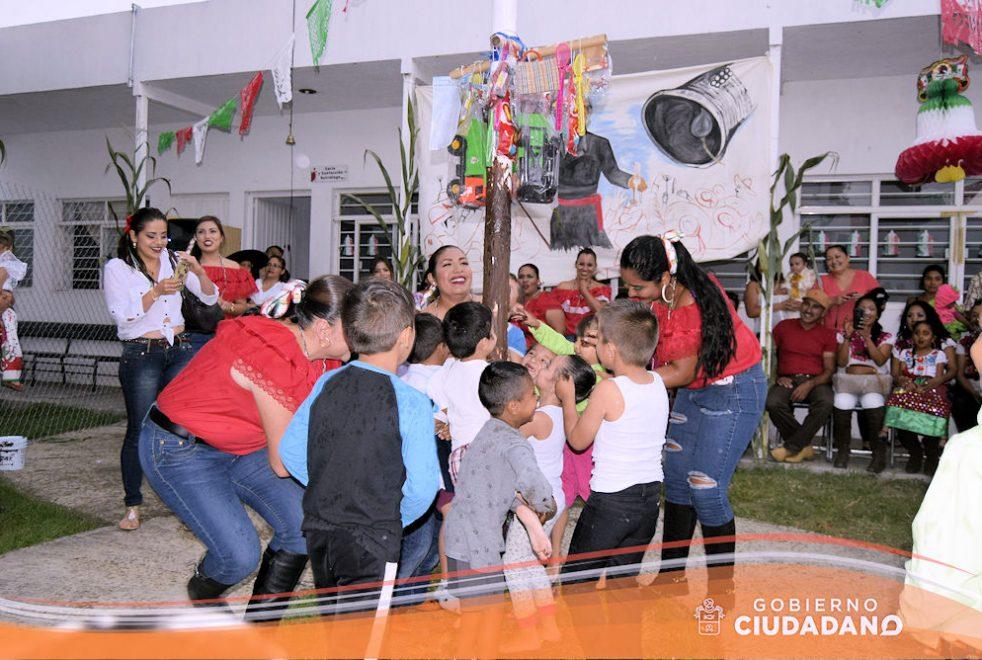 conmemoracion-dia-de-la-independencia-dif-acatlan-de-juarez-2016-09