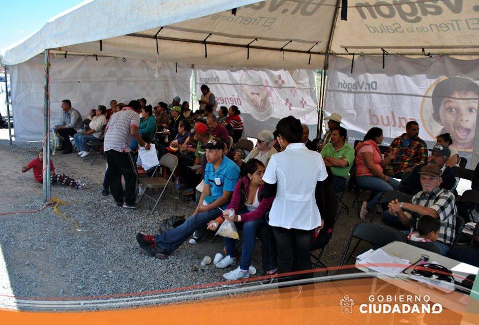 dr-vagon-brinda-servicios-medicos-en-el-municipio-de-acatlan-de-juarez-2017_006