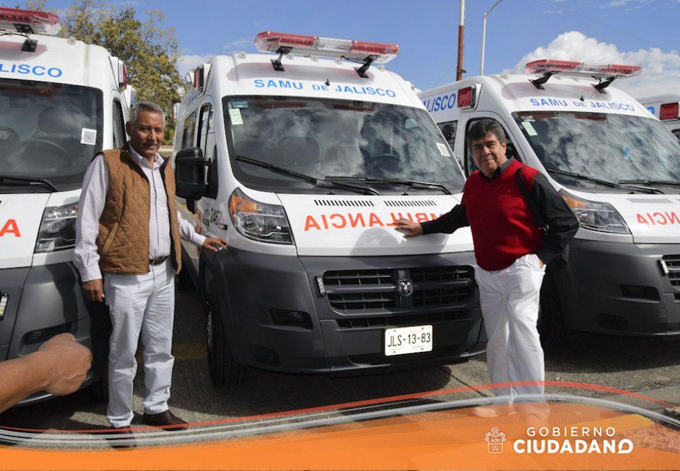 entrega-de-ambulancia-para-acatlan-de-juarez-2017-04
