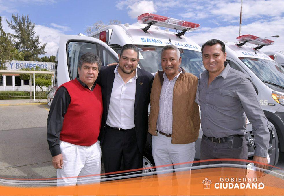 entrega-de-ambulancia-para-acatlan-de-juarez-2017-05