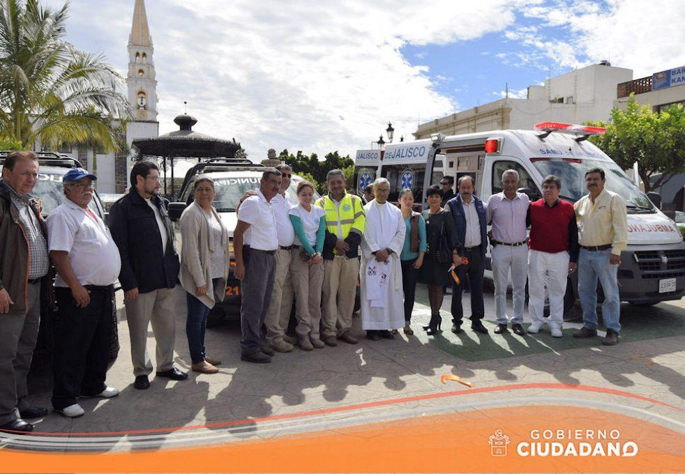 entrega-de-ambulancia-para-acatlan-de-juarez-2017-08