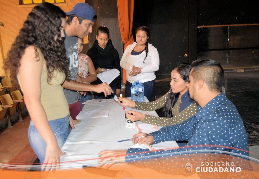entrega-de-credenciales-para-transporte-escolar-acatlan-de-juarez-2017-06