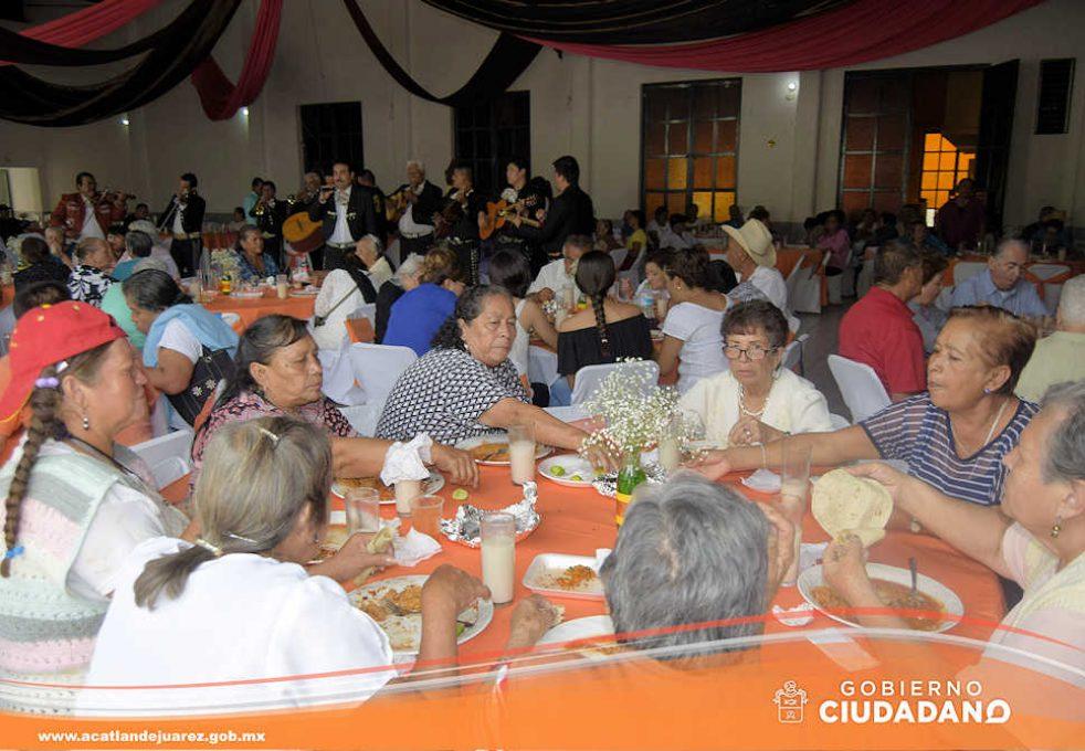 festejo-dia-del-adulto-mayor-acatlan-de-juarez-2016-09
