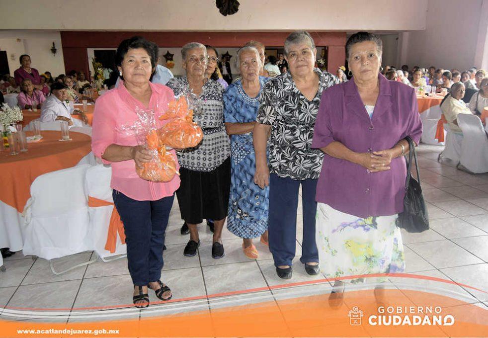 festejo-dia-del-adulto-mayor-acatlan-de-juarez-2016-11