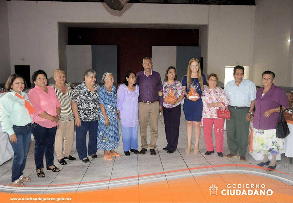 festejo-dia-del-adulto-mayor-acatlan-de-juarez-2016-13
