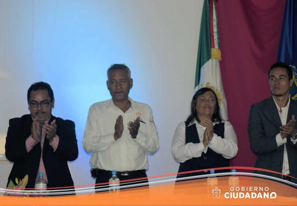 firma-de-convenio-universidad-la-paz-acatlan-2016-01
