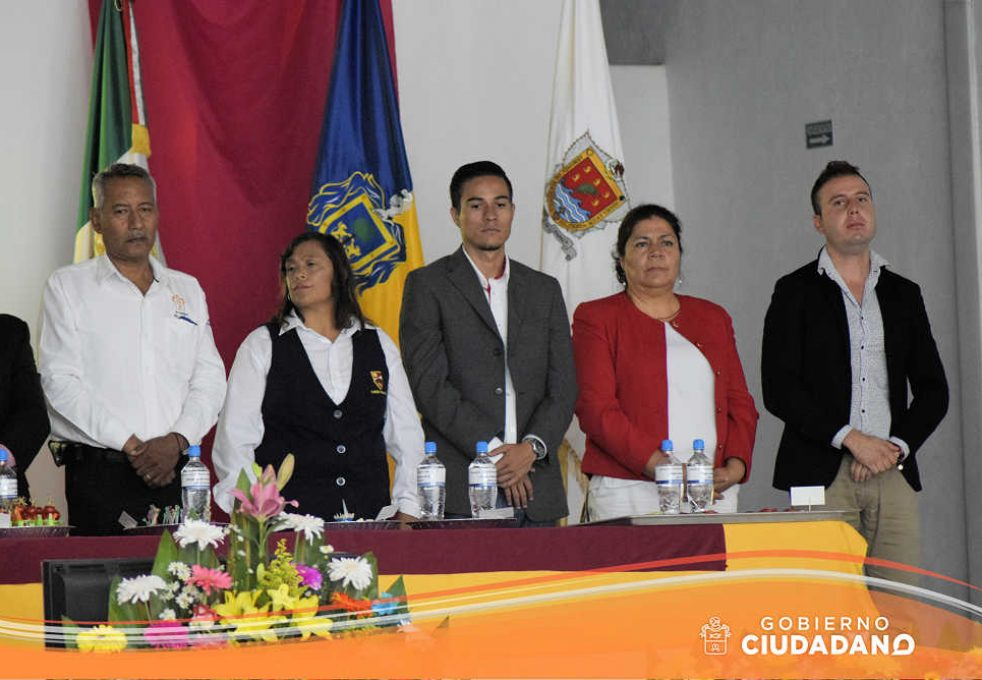firma-de-convenio-universidad-la-paz-acatlan-2016-02