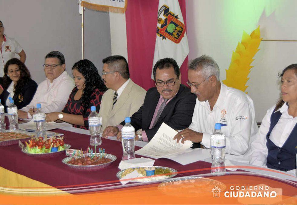 firma-de-convenio-universidad-la-paz-acatlan-2016-04