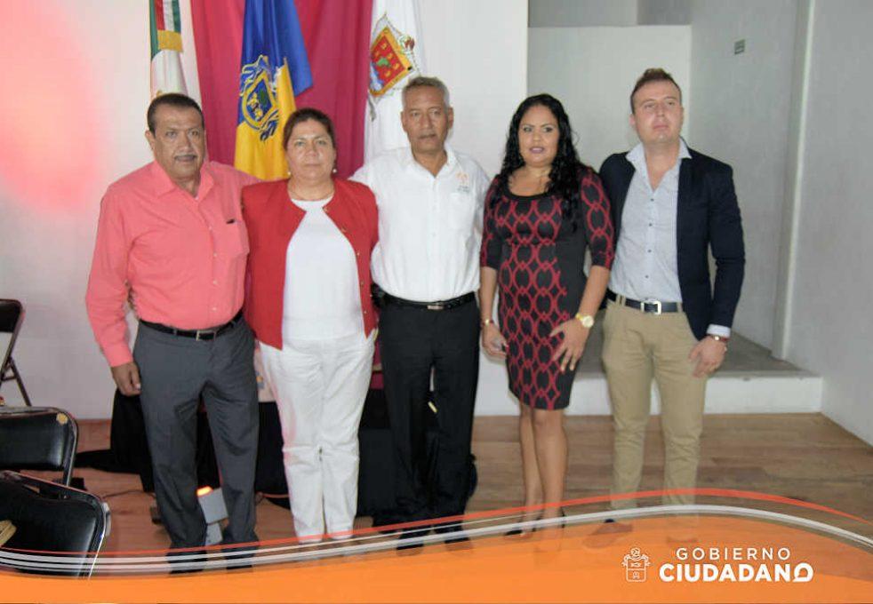 firma-de-convenio-universidad-la-paz-acatlan-2016-08