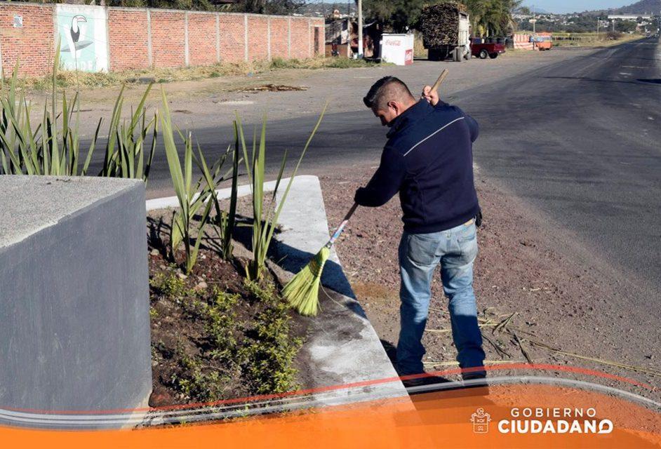 limpieza-entrada-a-la-delegacion-de-bellavista-acatlan-de-juarez-2017_002