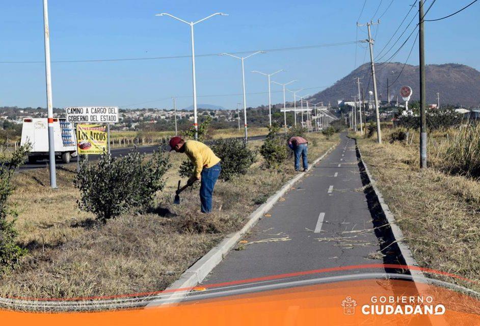 limpieza-entrada-a-la-delegacion-de-bellavista-acatlan-de-juarez-2017_003