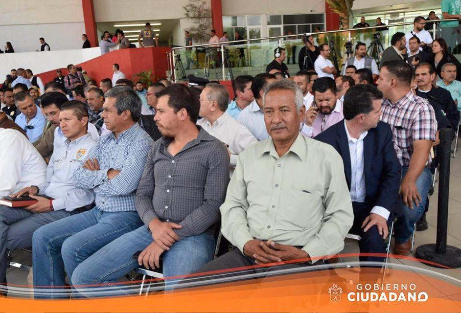 reciben-patrulla-nueva-en-acatlan-de-juarez-2017_004