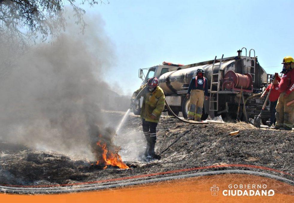 se-controla-incendio-en-el-ingreso-a-san-jose-de-los-pozos-acatlan-de-juarez-2017_001
