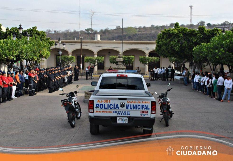 uniformes-y-patrulla-para-seguridad-publica-acatlan-de-juarez-2017_001