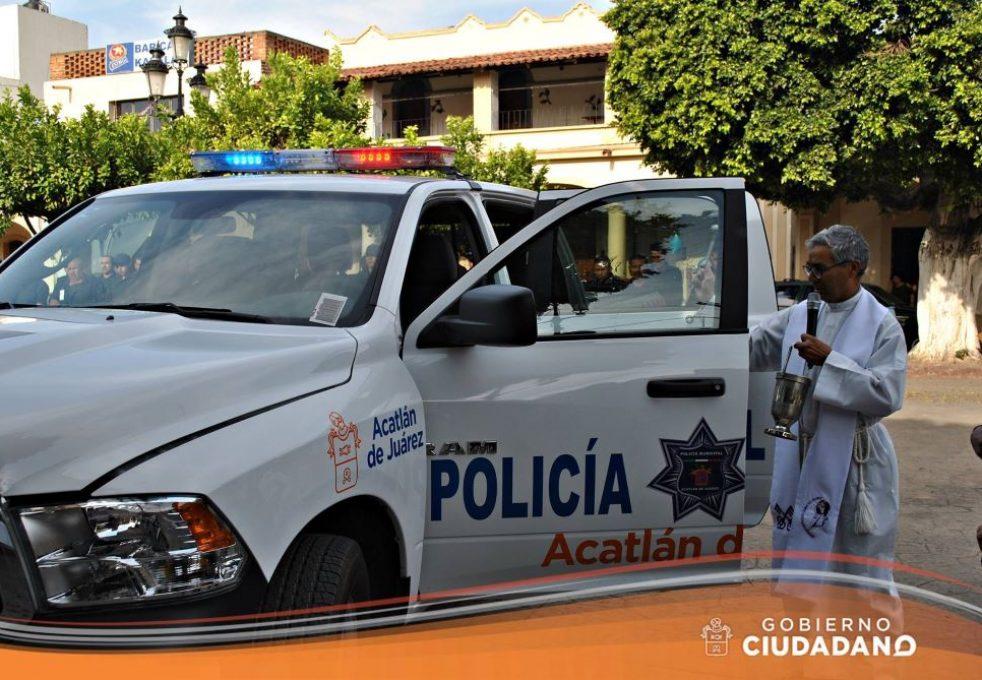 uniformes-y-patrulla-para-seguridad-publica-acatlan-de-juarez-2017_003